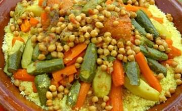 الكُسكُس يوحد المغاربة غذائيا ويفرقهم سياسيا